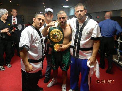 Ringside Boxing Report: Hernandez Beats Hernandez In Disqualification War!