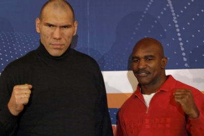 ValuevHolyfieldPC2 Boxing Fan Pressure Causes WBA Review Of Holyfield vs. Valuev