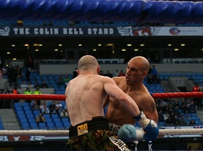 Watson Hatton15 Ringside Boxing Report: Craig Watson Vs. Matthew Hatton
