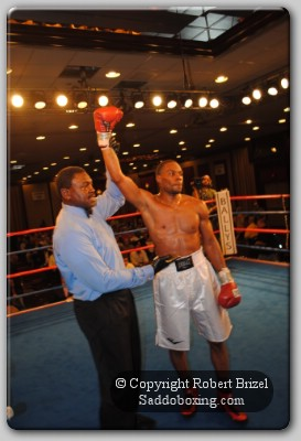 Yong 11 Tall Fighter Roberto Yong Exposes Philly Prospect Fred Jenkins Jr.