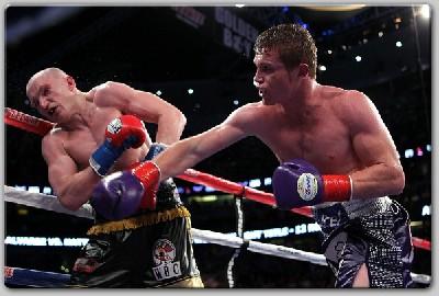 Alvarez Hatton1 Boxing Result: Alvarez Outpoints Hatton To Win WBC Title
