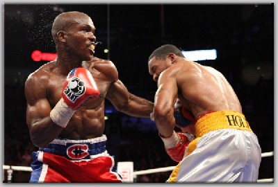 Bradley v Holt1 Showtime Boxing: Bradley, Andrade Win Big Fights In Montreal