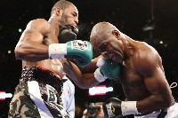 DawsonvsJohnsonfight1 Showtime Boxing: Tarver Wins IBF Crown, Dawson Retains WBC Title In Thriller