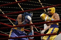 Del Valle v Baeza action3 Ringside Boxing Report: NY Daily News Golden Gloves   Part II