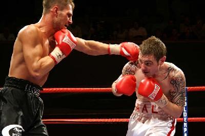 Ringside Boxing Report: Wayne Elcock   Darren McDermott Undercard
