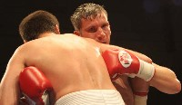 Elwell Matviechuk3 Ringside Boxing Report: Colin Lynes   Young Mutley