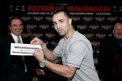 HattonMalignaggi1 Boxing Info: Hatton, Malignaggi Meet Face To Face In Las Vegas