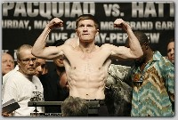 HattonPacquiaoWeighIn11 Boxing Weights: Ricky Hatton vs. Manny Paquiao