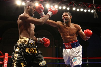 Holt Hopkins fight1 Boxing Result: Holt Overcomes Hopkins To Keep WBO Belt In Atlantic City