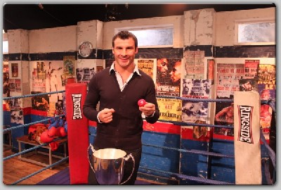 Joe1 Boxing Legend Calzaghe Performs Prizefighter Draw
