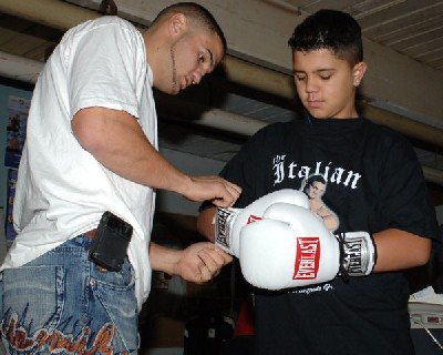 Manfredo cameronWheeler1 Boxing News: Peter Manfredo Touches Gloves With His Number One Fan