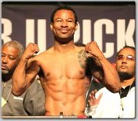 MayweatherMosleyWeighIn21 Boxing Weights: Sugar Shane Mosley vs. Floyd Mayweather Jr
