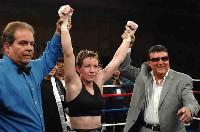 McCarter Martinez5 Ringside Boxing Report: Layla McCarter   Angelica Martinez