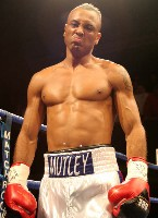 Muttley Lynes2 Ringside Boxing Report: Colin Lynes   Young Mutley