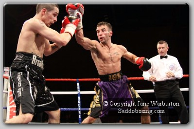 broadhursthaskins1 Ringside Boxing Report: Lee Haskins vs. Don Broadhurst