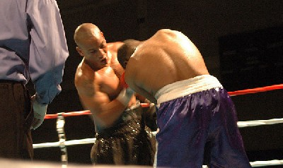 brown west61 Heavyweight Boxing Prospect Mark Oak Tree Brown Victorious In New Jersey