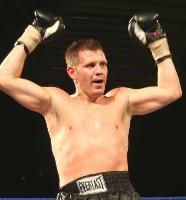 gomez u3 Ringside Boxing Report: John Fewkes vs. Gary Reid