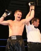 gomez u4 Ringside Boxing Report: John Fewkes vs. Gary Reid