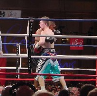 hatton urango fight101 Ringside Boxing Report: Hatton and Castillos victories pave the way for a June showdown.