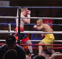 john ibbotson31 Ringside Boxing Report: Hatton and Castillos victories pave the way for a June showdown.