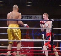 john ibbotson41 Ringside Boxing Report: Hatton and Castillos victories pave the way for a June showdown.