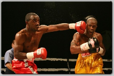 latimorepunch1 Boxing Result: Latimore Guns Down Ford In St. Louis