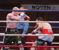 mhatton houghtaling61 Ringside Boxing Report: Hatton and Castillos victories pave the way for a June showdown.