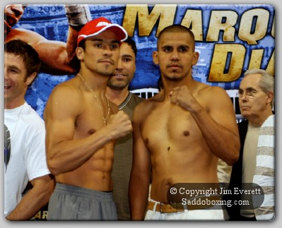 diaz marquez weighin1 Official Weigh In: Marquez Vs Diaz II