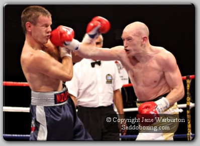 hatton nuzhnenko31 Ringside Boxing Report: Matthew Hatton vs. Yuriy Nuzhnenko