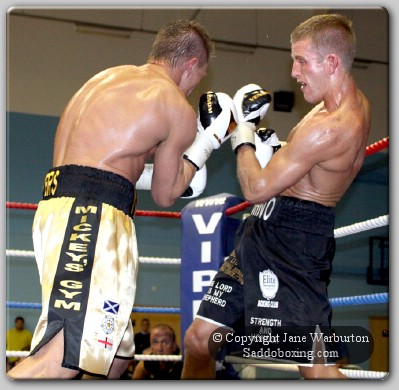 johno beevers1 Ringside Boxing Results: Chris Johnson Vs Neil Beevers