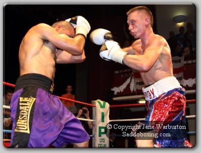 singleton1 Ringside Boxing Report: Shayne Singleton vs. Ali Wyatt