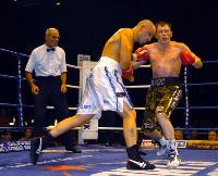 thumb Rob Burton headbutts Matt hatton13 Boxing Photos: Barnes vs Hare and Undercard